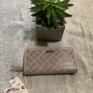 Jessica Simpson Wallet Gray Color *NWT* Zip Around